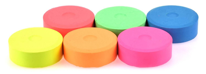 Die Wasserfarbenpucks gibt es auch in Neonfarben